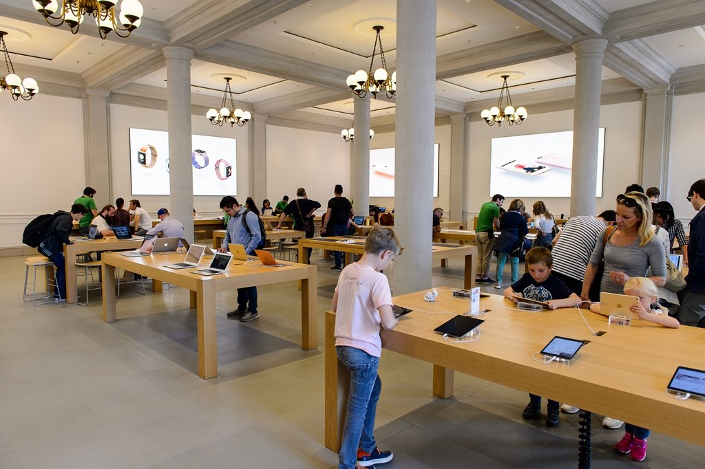 FLORENCE, ITALY - MAY 6, 2016: Apple store at the Piazza della Republica in Florence, Italy. Apple is the multinational technology company headquartered in Cupertino, California,; Shutterstock ID 479837695; Departmental Cost Code : 162800; Project Code: G